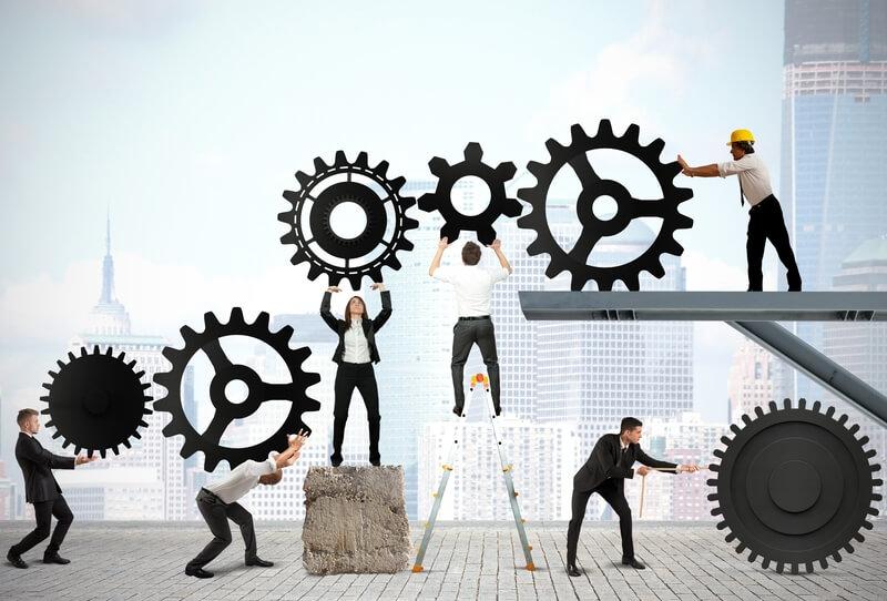 Løs opgaverne i samspil med medarbejderne